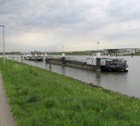 Mooring on Amsterdam-Rijnkanaal
